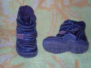 Продам детские ботиночки демисезонные