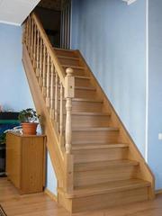 Лестницы для коттеджей из дерева - изготовление под заказ.